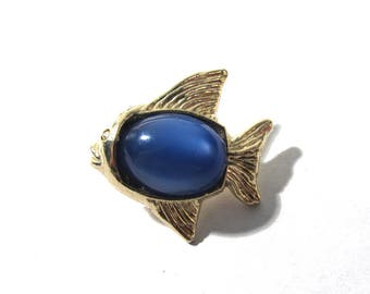 Vintage JELLY BELLY Fish Button One (1) Gold Tone Fish with Blue Cabochon Vintage Wedding Jewelry Sewing Supplies (D281)