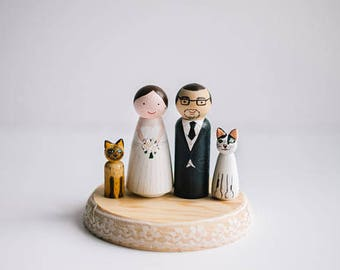 Wedding Cake Toppers with cat. Peg Doll cake topper. Custom wedding cake topper. Wedding cake toppers with pet, dog.Caketopper