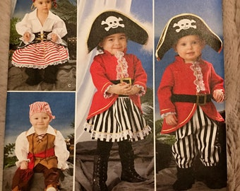 Simplicity #2561 Toddler Boy Girl Pirate costume sewing pattern size 1/2 1 2 3 4 UC Uncut FF