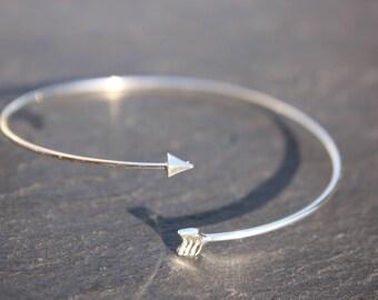 Arrow bangle bracelet silver or gold shiny arrow
