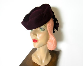 Vintage 1940's Plum Wool Floral Tilt Hat ~ WW2 Era