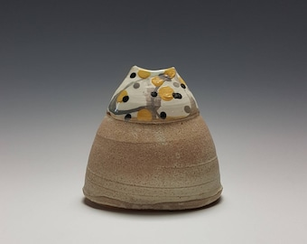 Flower vase by Potteryi. Small pottery vase in whimsical dress shape. Perfect as gift or table top home decor.