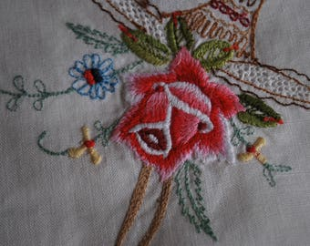 Doyley - Rose Embroidered