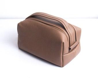 Groomsmen toiletry bag groomsmen shaving kit dopp kit dopp kit leather dopp bag toiletry bag mens toiletry bag monogrammed toiletry bags