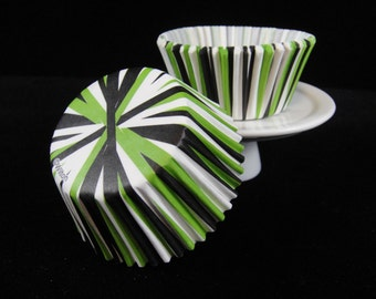 Green and Black Cupcake Liners, Cupcake Cups, Muffin Cups, Baking Cups, Striped Cupcake Liners, Cupcake Papers - Quantity 25