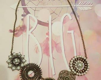 Beautiful circle charm statement necklace