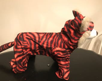 Tiger dog costume!! Only one available! Perfect halloween !