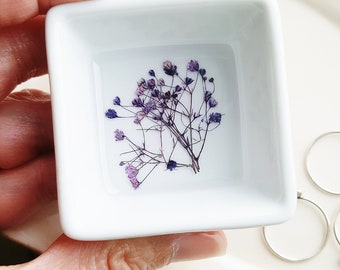 Purple Flower Ring Dish, Baby's Breath Ring Dish, Ring Dish with Real Flowers, Jewelry Storage, Minimalist Ring Storage, Nature Lover Gift