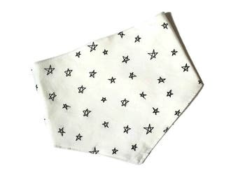 Bandana Bib/ bib/ baby bib/ stars bib/ black white bib/ baby bibdana/ bandana/ trendy bib/ bibs/ stars bibdana/ stars baby bib - Stars