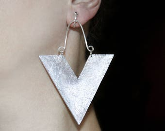 Pair of earrings Chunky jewelry Silver statement Large dangles Triangle earring Geometric jewelry Handmade earrings Metallic color dangles