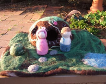 felted playscape, felted house,felted playset, nature table display, toy, wool felt, waldorf toys, eco-friendly child play, house, people