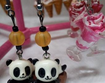 Nice pair of earrings panda gourmet chocolate bar