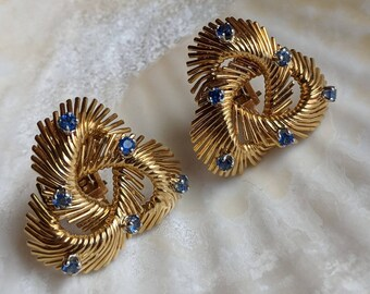 Retro midcentury solid 18k yellow gold blue sapphire earrings with clip backs - vintage jewelry