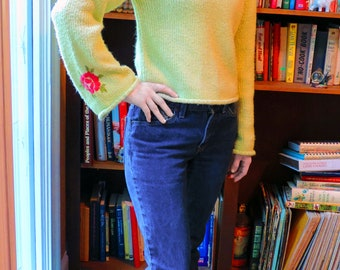 Vintage 90s light green sweater