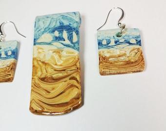 Beach Day Sculpted Pendant