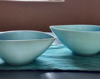 Vintage tear drop mixing bowl robins egg. Fire King Turquoise blue tear drop stacking bowls. Swedish Modern Fire King.