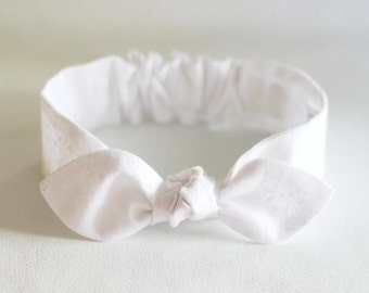 "Baby White Headband, newborn headband, baby girl, ""Carissima"", knot headband, baby bow headband, baby accessories - Newborn, Infant,"