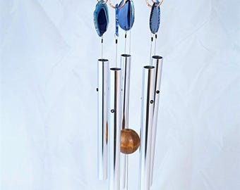Wind Chime - 5 Blue Crystal Agate Slices with 5 Musically Tuned Polished Aluminum Chimes. Indoors/Outdoors. 28 inches Tall. Free Shipping.