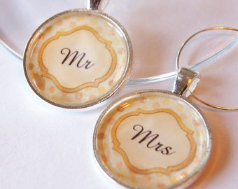Wedding Wine Charms, Mr Mrs Wine Charms, Wine Charms, golden yellow, silver plate, barware, Wedding gift, table setting (2036)