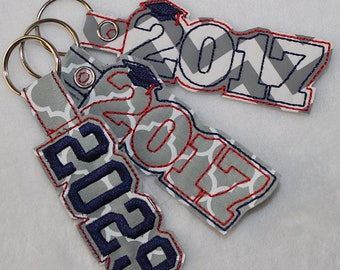 Graduation Year Keychain or Zipper Pull