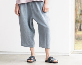 Loose washed linen pants with deep pockets in light elephant grey / Japanese style linen trousers / Washed linen cropped pants