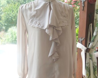 Lynn Wynndham Size Small Taupe Blouse
