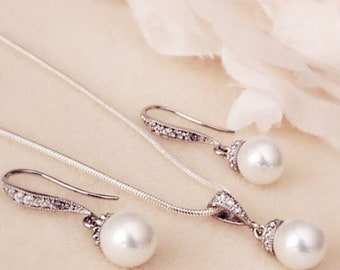 Pearl Wedding Jewelry Set Bridesmaid Gift Set Bridal Jewelry Set Bridal Party Gift Pearl Wedding Earrings and Necklace Set 8mm Pearl