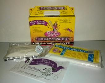 Mozzarella & Ricotta cheese making kit, Takes 30 minutes to make! All you need is milk! makes 30 lbs!