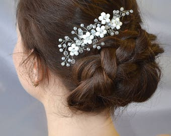Bridal Crystal hair comb Wedding Flower white hair comb Bridal Wedding Rustic hair piece Bridal headpiece Bridal hair jewelry fascinator