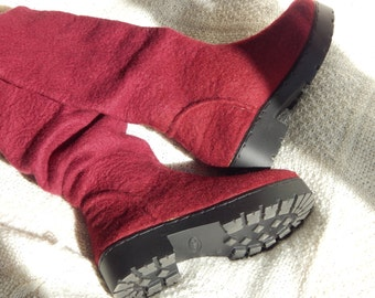 Outdoor felted boots with rubber solesEco fashion shoes for womenShoes.Felted boots for women.Burgundy  bootsBoots.Burgundy color .Handmade
