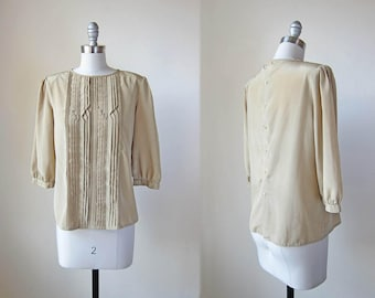 1980s vintage olive green 3/4 long sleeve button back tucked front top shirt blouse s m