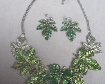 Enchanting n Detailed Green Falling Leaves Choker Necklace Set