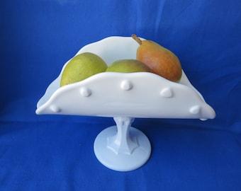 Indiana Milk Glass Pedestal Banana Stand Teardrop Design (1950 - 1980)  Excellent Condition