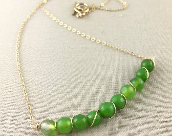 Green Agate Necklace // Green Beaded Necklace, Delicate Necklace, Wire Wrapped Necklace, Jewelry Under 50, Gemstone Necklace