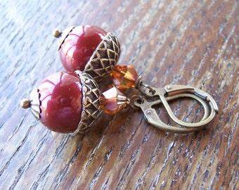 Les boucles d'oreilles perle Acorn Berry Bourgogne Swarovski