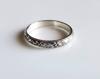 Sterling silver stackable band, Available in size 4, 4.5, 5, 5.5, 6, 6.5, 7, 7.5, 8, 8.5, 9, 9.5, 10, 10.5