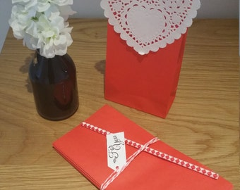 Paper Favour Bags or Candy Bags  Pk20 - Red
