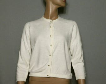 Vintage 1950s Sweater//Ivory Sweater//Pearl Buttons//Designer Talbolt// Button Down Cardigan// 50s Cardigan