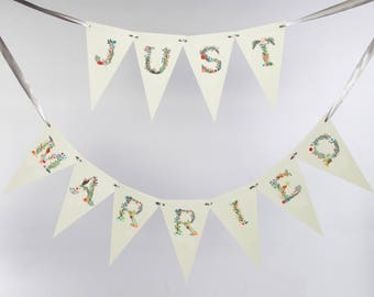 Just Married Sign Just Married Bunting Banner Floral Pastel Font 2 Row Handcrafted Wedding Garland Photo Prop Backdrop Sign Signage 3129 MX