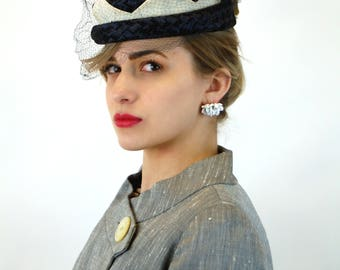 1950s straw hat with veil navy blue white basket weave crown style Flo-Denis Size 21