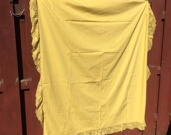 Mustard Yellow Tablecloth / Vintage Linen Table Cloth with Lace Edging / Thanksgiving Tablecloth