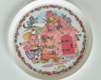 1 Vintage Oneida Children's Plate - The 3 Little Pigs Fairy Tale - 70s Retro Kids Dish, Big Bad Wolf, Kids Room Wall Decor, Pig Plate