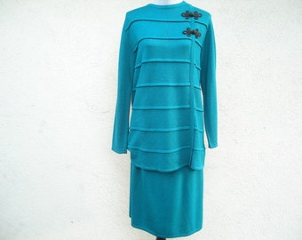 Vintage Green Sweater Blouse and Skirt Ladies Emerald Skirt and Blouse Vintage Dress