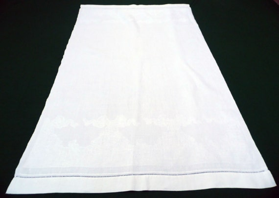 Vintage-Baumwolle aus weißem Damast-Muster Handtuch hängen