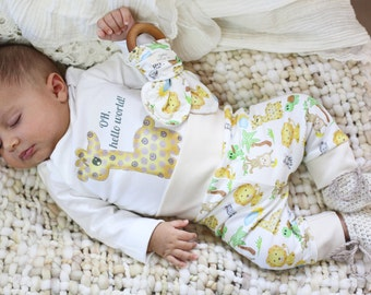 Organic Baby Gender Neutral Clothes, Organic Baby Outfit, Baby Giraffe, Coming Home, Baby Outfit, Hospital Outfit, Oh Hello World, Safari