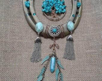 Turquoise Dream horseshoe