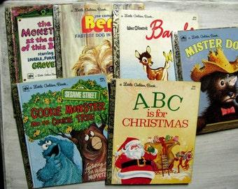 Ensemble de Six petits livres d'or, Collection instantanée, Sesame Street, Bambi, Benji, Mister chien, ABC est pour Noël