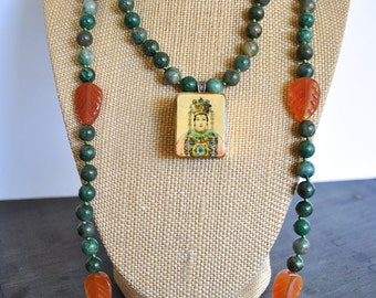 GREEN AGATE knotted NECKLACE with asian box