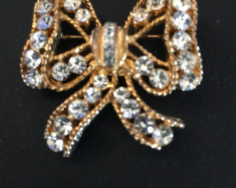 Eisenberg Ice Bow Brooch Beautiful