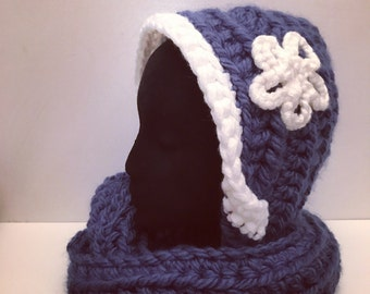 Blue chunky hooded scarf white flower attache, suitable for women and girls over 10 year old